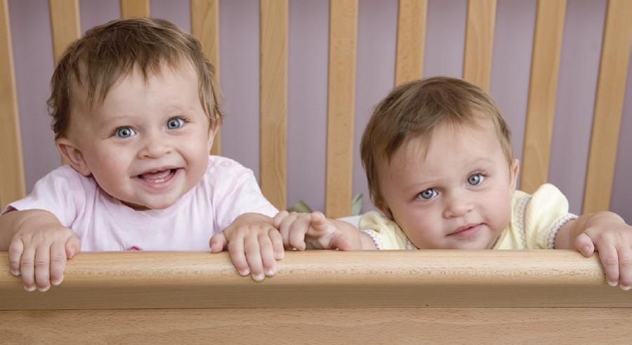 The Toddler Transition From Crib To Bed Twins Magazine